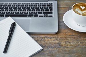 what is the difference between web conferencing and webinars?
